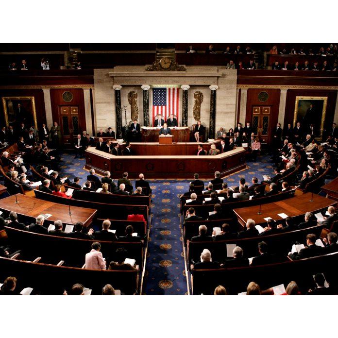 Senát schválil americký balíček
